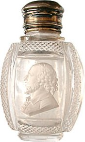 Apsley Pellatt glass scent bottle